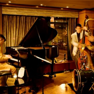 Smooth Jazz Session: A Jazzy Friday Night