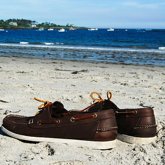 10 Songs to Accompany Your Boat Shoes & Non-Toxic Sunscreen