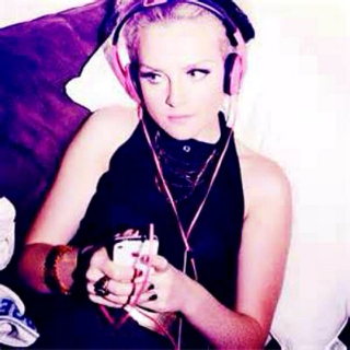 Perrie's Music Playlist<3