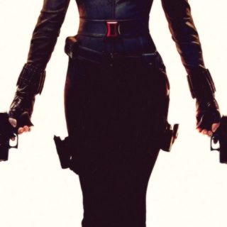 I'M IN LOVE WITH BLACK WIDOW