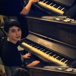 dan and the piano