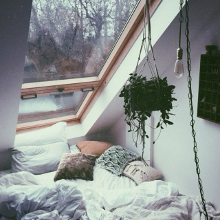 Stay in bed with me