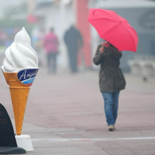 ice cream.umbrellas.summer