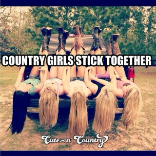 Summer Country Gals