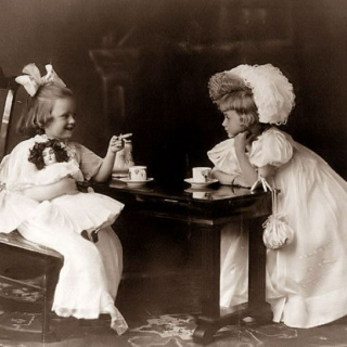 { tea party with dolls }