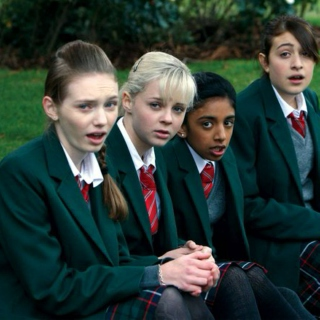 angus thongs & full frontal snogging gang's record collection