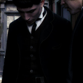 Credence/Grindelwald || show me how the gods kill