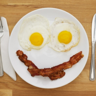 Waken waken, eggs and bacon
