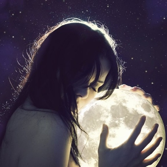 She Loves by the Moon