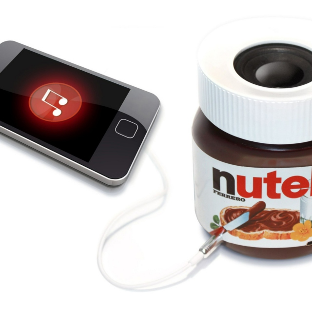 Just listen to music and eat Nutella