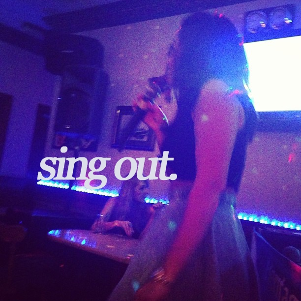 sing out.