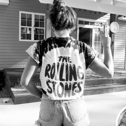 ✖The bands on my t-shirts✖