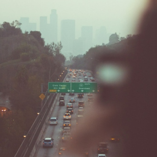 Watching the fog settle on the streets ☁ ☼