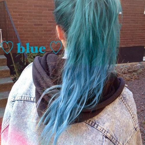 ♡BLUE HAIR IS AWESOME♡