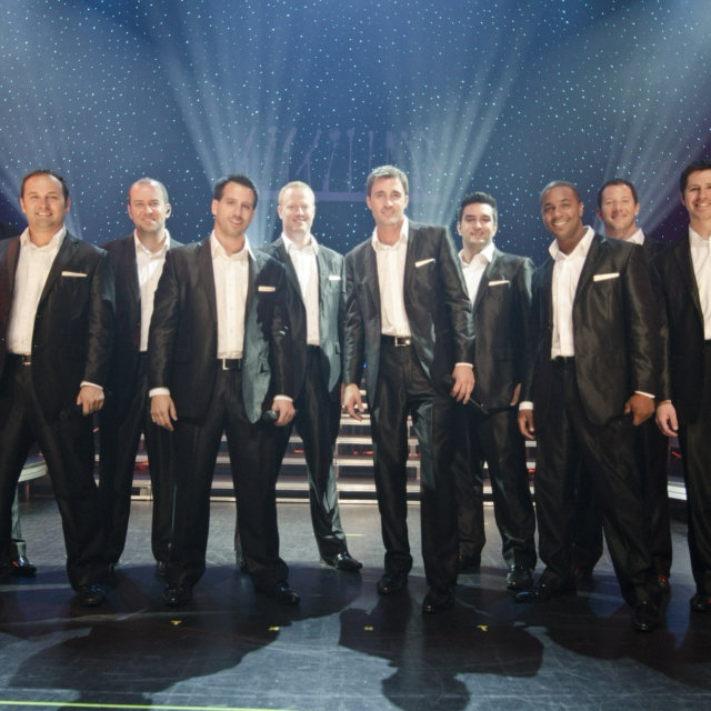 Straight No Chaser's Christmas Favorites