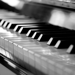 A piano and a naked heart