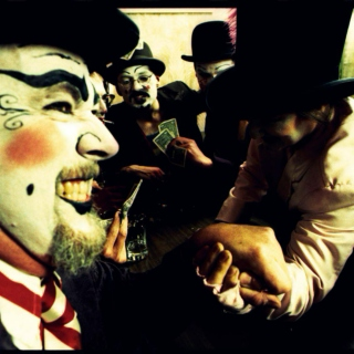 TOM WAITS IN A CIRCUS!!!!