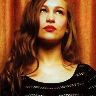 The world needs a bit more Joanna Newsom.