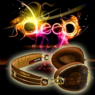 Defined: Deephouse