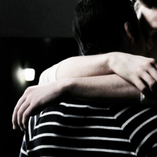 Blaine Loves Kurt