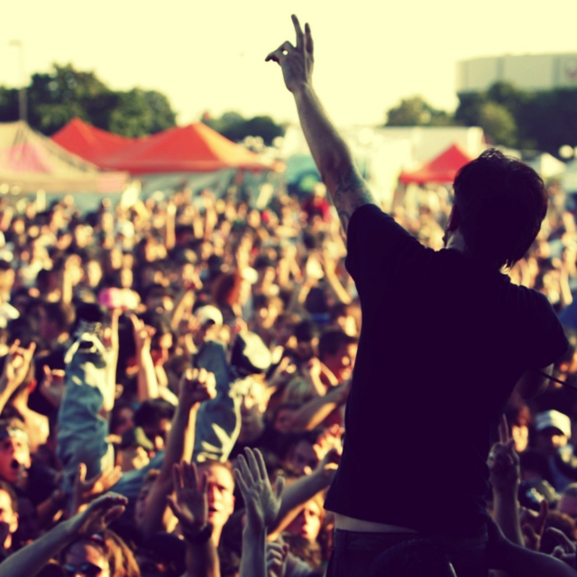 live every day like it's WARPED TOUR