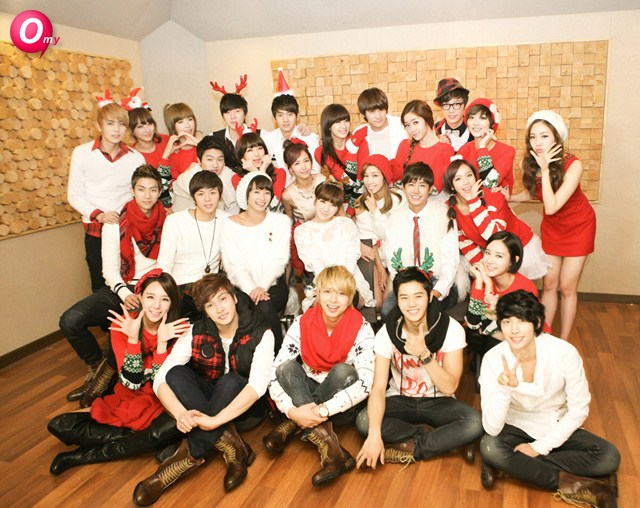 8tracks radio | Have a Very Merry Kpop Christmas (13 songs) | free ...