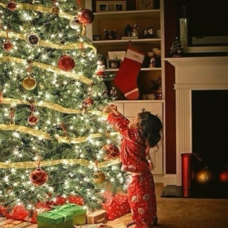 Christmas is Coming _))