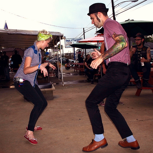 How to indie dance