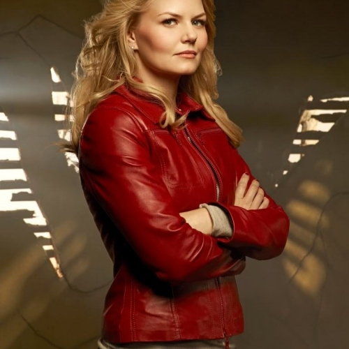 Emma Swan - red leather jacket