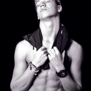 taylor caniff tho(◕‿◕✿)