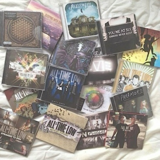 ♡ mix tape of her favorite bands ♡