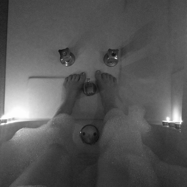 take a bath (relax and forget your troubles)