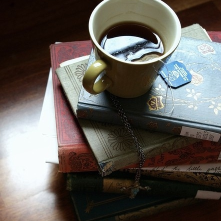 Books, Rain & Tea