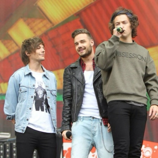 1D at Big Weekendღ
