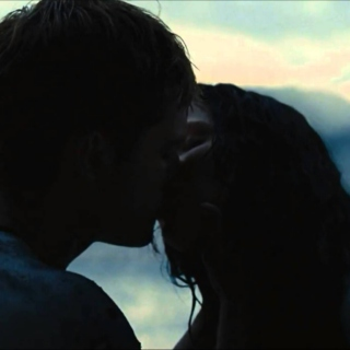 Slow Burning: An Everlark Mix