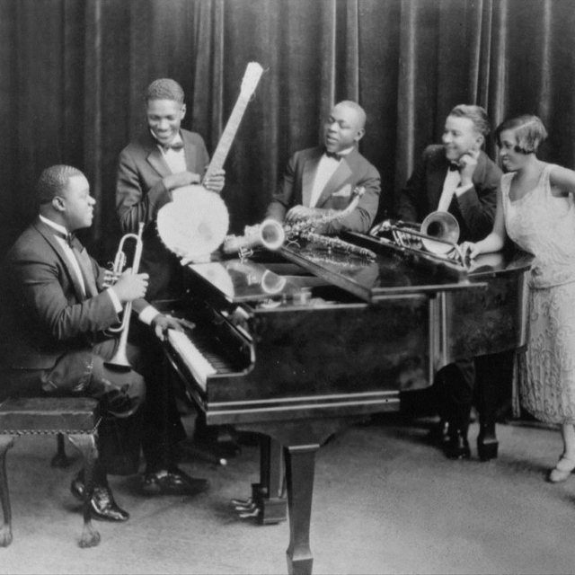 the history and development of free jazz music Jazz is a music genre that originated in the african-american communities of  new orleans,  the 1950s saw the emergence of free jazz, which explored  playing without regular meter,  attempts have been made to define jazz from  the perspective of other musical traditions, such as european music history or  african music.