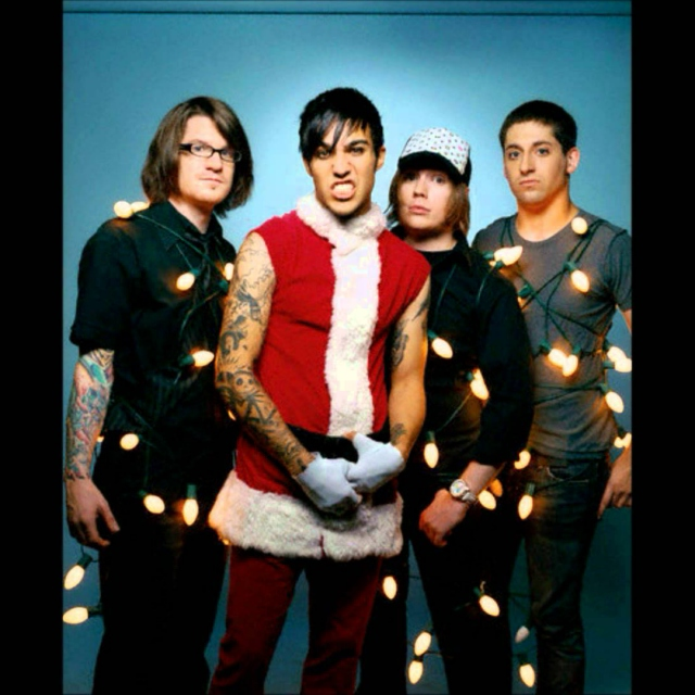 all i want for xmas is frank iero.