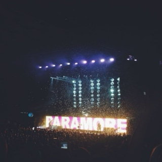Paramore: Live and Loud