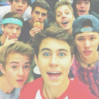 old magcon*:・゚✧