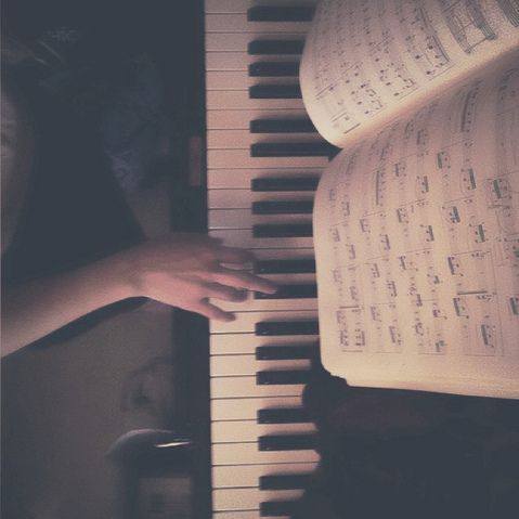 Music is the medicine of the mind //