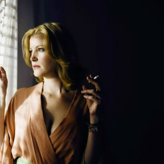 Queen Of Apology: A Skyler White Fanmix