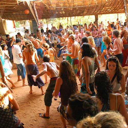 10 Reasons to fall in love with GOA PSY