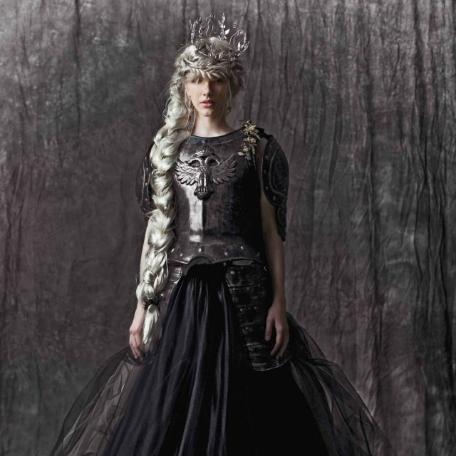 Lady of Darkness, Queen of Light