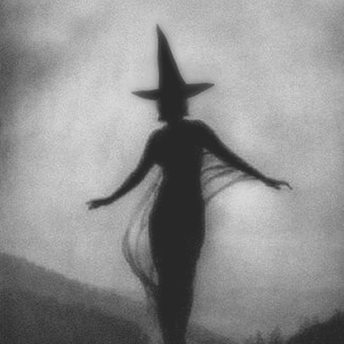 a witch queen never dies