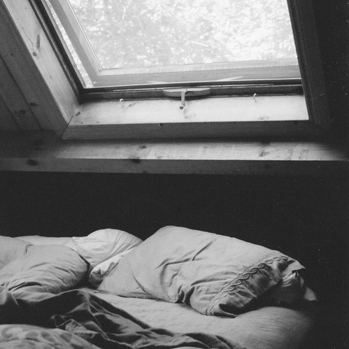 lying in bed & nights of insomna
