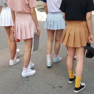 unsatisfied schoolgirls