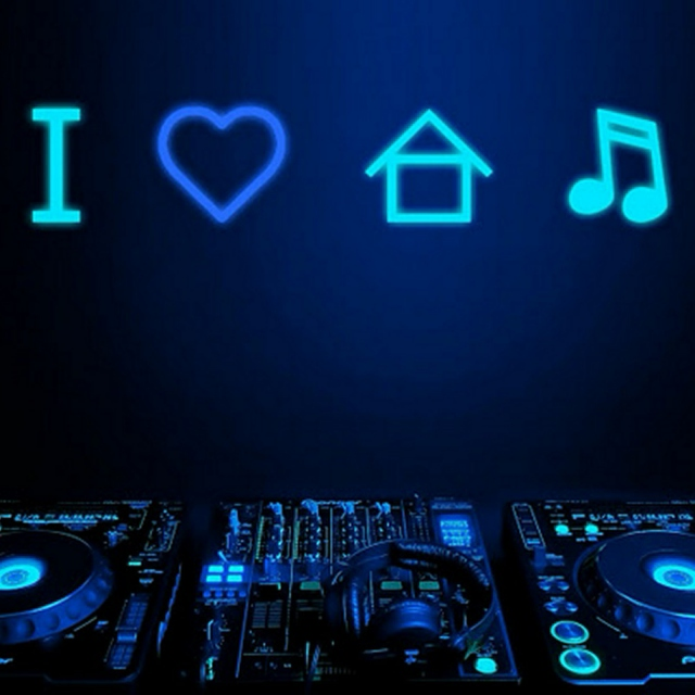 House Music with Punching Bass