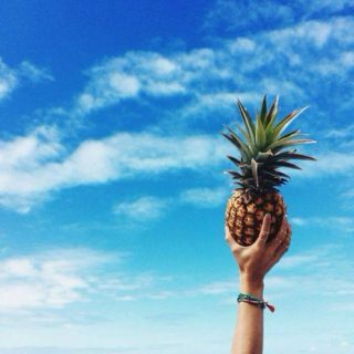 It's Hot Out. Let's get pINEAPPLES.