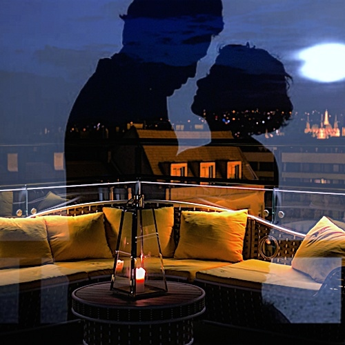 ♡ PAX Rooftop LOVE LOUNGE