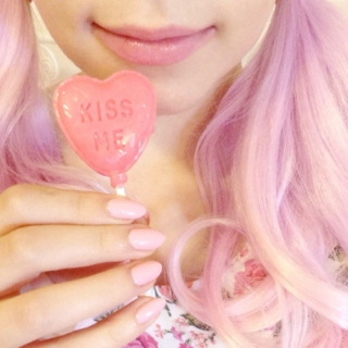candy flavored lips ☆*・゜゚・*◝(๑◡‿◡๑◝)✿